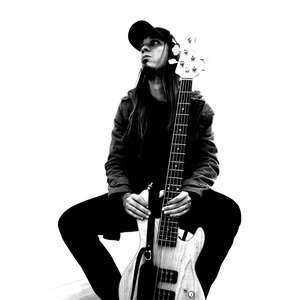 Baixista CH Straatmann lança álbum solo influenciado ...