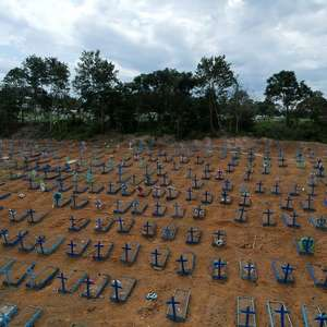 Brasil contabiliza média diária de 1.001 mortes por covid-19