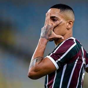 Benfica atende Jesus e acerta contratação de lateral do Flu