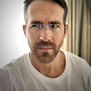 Ryan Reynolds negocia estrelar filme infantil de ...
