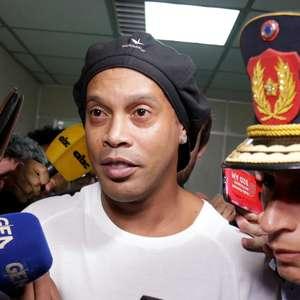 Saída da prisão é chance de Ronaldinho voltar à realidade