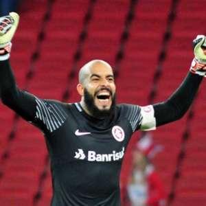 Há nove anos, Danilo Fernandes estreava como jogador profissional