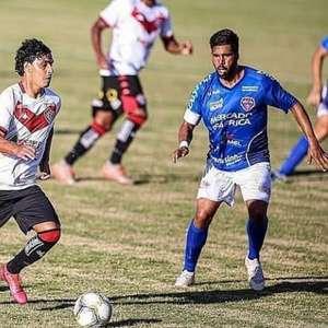 No Vitória, Alisson Farias espera manter fase artilheira ...