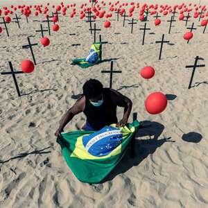 Sem controlar pandemia, Brasil perde 100 mil vidas para ...