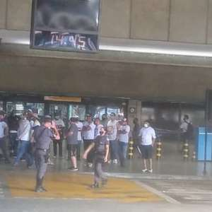 São Paulo embarca para Goiânia com protesto de ...