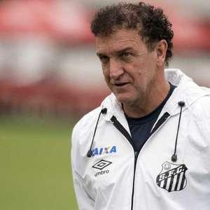 Em busca de amenizar crise, Santos aposta em Cuca para ...
