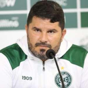 Eduardo Barroca explica o motivo de apostar em Wilson ao invés de Muralha
