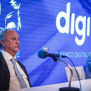 Cruzeiro bloqueia R$ 6,8 milhões das contas de ex-cartolas