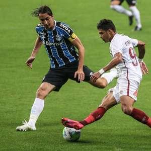 Diego Souza marca e Grêmio derrota o Flu em Porto Alegre