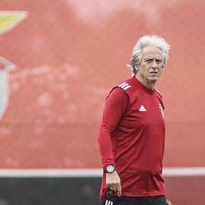 Jorge Jesus comanda seu primeiro treino à frente do Benfica