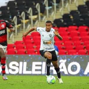 Jair recebe 'afago' de Jorge Sampaoli, ao dizer que ele foi peça-chave no duelo contra o Flamengo