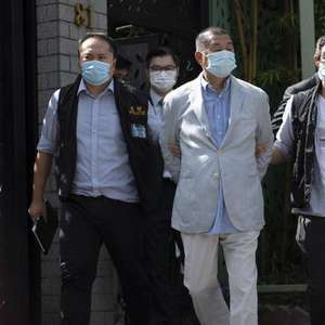 Hong Kong prende magnata da mídia pró-democracia
