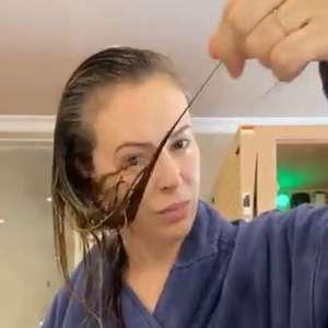 Alyssa Milano revela queda de cabelos e outros sintomas ...