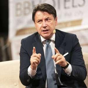 Vacina anti-covid não será obrigatória, diz premiê da Itália