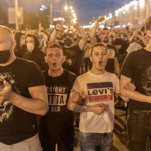 Líder da oposição bielorrussa foge para exterior ...