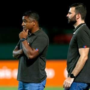 Goleiro do Bahia admite que título estadual 'aliviou' pressão em Roger