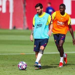 Lionel Messi retorna aos treinos do Barcelona com proteção