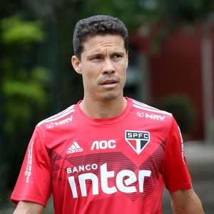 Insatisfeito na reserva, Hernanes pede para deixar São Paulo
