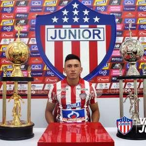 Jogador colombiano nega procura do Vasco