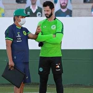 Cheio de desfalques pelo coronavírus, Goiás estreia contra o Athletico-PR
