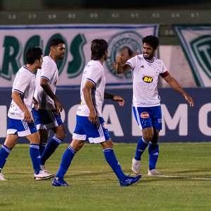 Em jogo de cinco gols, Cruzeiro vence o Guarani na Série B