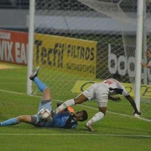 Com gol de Léo Gamalho, CRB vence Oeste na Série B do ...