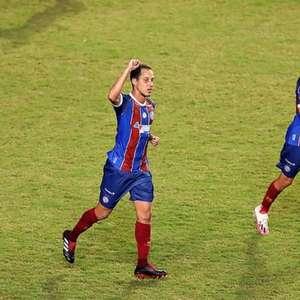 Mesmo em jogo irregular, Bahia passa pelo Coritiba em ...