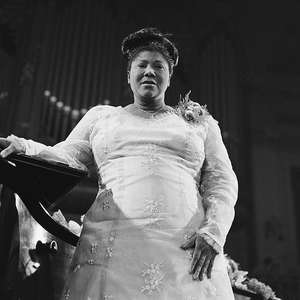 Jill Scott vai viver a rainha do gospel Mahalia Jackson ...