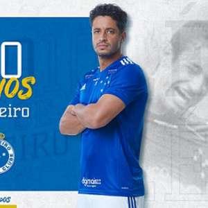 Cruzeiro celebra os 10 anos do zagueiro Léo no clube