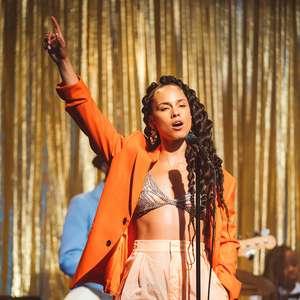 Novo clipe de Alicia Keys encena baile de formatura com ...