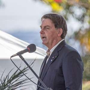 Bolsonaro se vangloria de presença de militares no governo