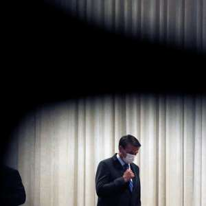 Bolsonaro debate novo programa social e a volta da CPMF
