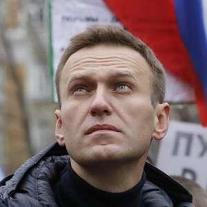 Navalni foi envenenado em hotel, dizem assessores