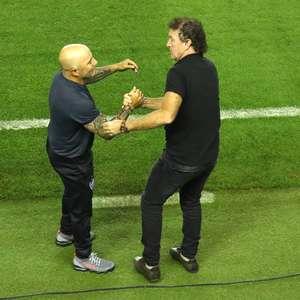Torcida do Atlético evita outra contração furada de Sampaoli