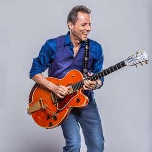 Guitarrista Tony Bellotto é convidado da live Nos Bastidores