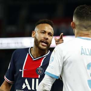 Você não é homem de assumir teu erro, diz Neymar após post