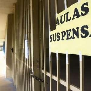 Mesmo com autorização, municípios não retomam aulas em 2020