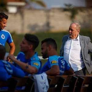 Cruzeiro consegue bloquear R$ 49 mil das contas de Itair Machado e Wagner Pires. Presidente celebra