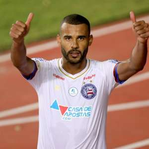 Bahia tenta quebrar marca negativa da zaga diante do Corinthians