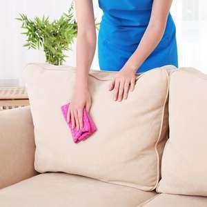 Novinho em folha: saiba como tirar manchas do sofá