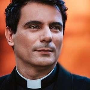 "Padre Juarez se revolta com pastora antigays: ""Burra"""