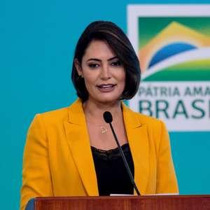 Vereadores de PT e PSDB homenageiam Michelle Bolsonaro em SP