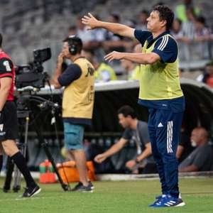 Adilson Batista aciona o Cruzeiro na Justiça com dois processos