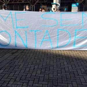 Torcedores do Grêmio protestam em frente à Arena: 'Time ...