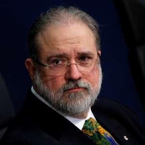 Augusto Aras defende depoimento por escrito de Bolsonaro
