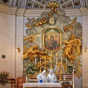 Vaticano lança força-tarefa para 'libertar' Maria das máfias