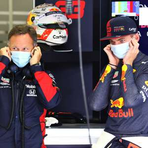 """Chefe diz entender, mas que Verstappen precisa """"se livrar de frustração"""" por abandonos"""