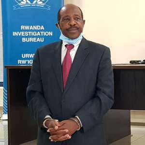 """Herói de """"Hotel Ruanda"""" afirma que voltou ao país ..."""
