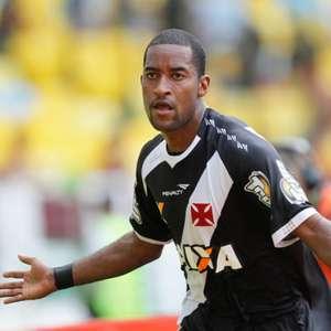 Última vitória do Vasco sobre o Coritiba foi em 2013. ...