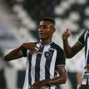 Gols decisivos e importância: Babi se consolida como o 9 do Botafogo